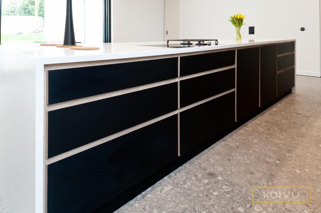 A black kitchen from Koivu